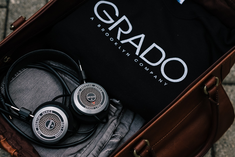 Grado SR325e in Leather Bag